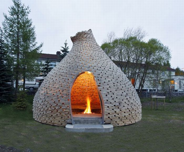 20100204-outdoor_fireplace_01.jpg